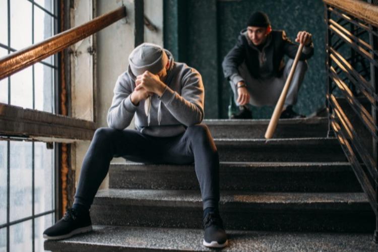 Юные подонки совершили два ограбления в Балаково