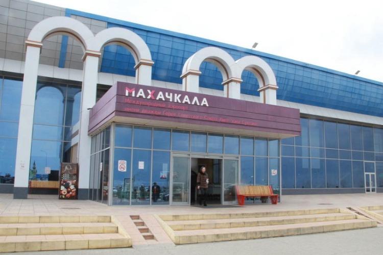 Начинается субсидирование 30% стоимости авиабилетов Саратов - Махачкала