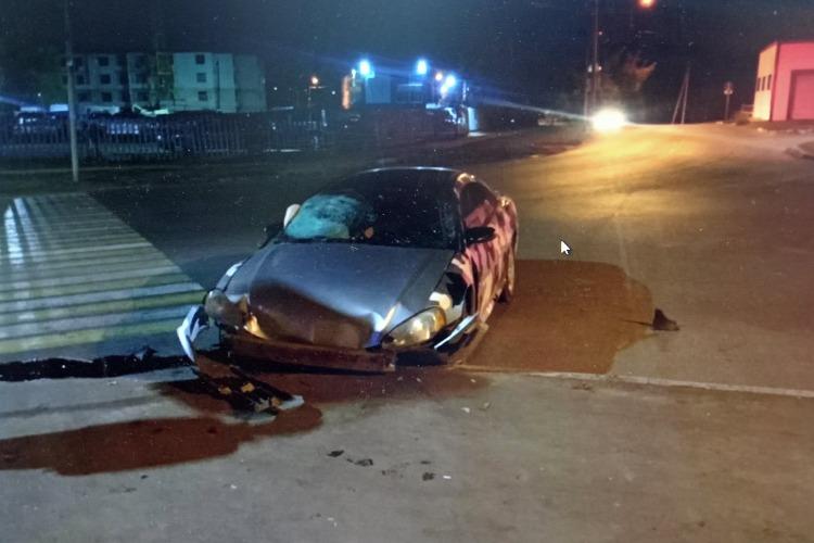 Девушка пострадала в ночном ДТП у старого кладбища в Балаково