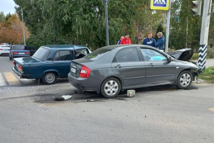 Следователи проводят проверку после ДТП с пострадавшим ребенком в Балаково