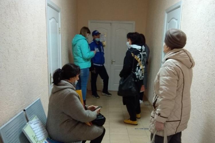 Ынтернета нету! Работа паспортного стола на Комарова парализована вторую неделю