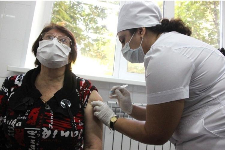 В Саратовской области ввели обязательную вакцинацию