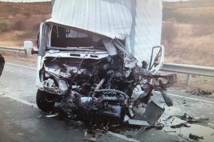 В ДТП с участием двух грузовиков пострадал водитель