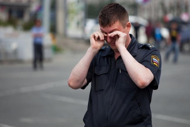 Избивший полицейского житель Балаково отправился в колонию
