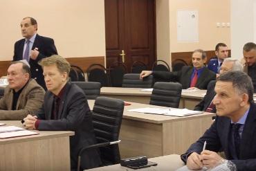Как два пальца об стол. Сергей Нестеров предложил избирать главу Балаковского района всенародно. Видео