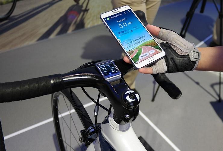 За один подход украла телефон и велосипед