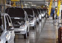 АвтоВАЗ остался на второй год. Тольяттинский завод возобновил программу утилизации
