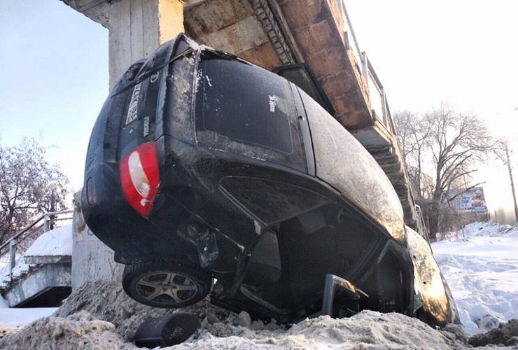 Перемахнул все снежные барьеры у станции Линево