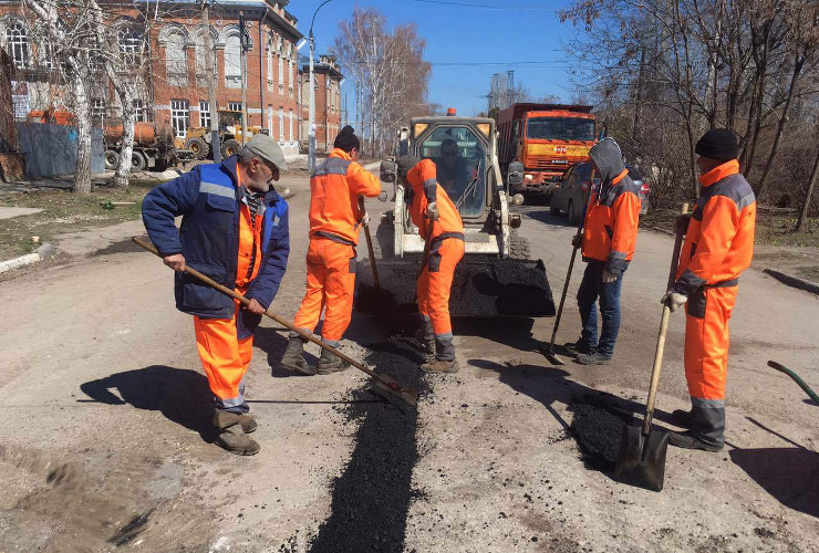 Ямочный ремонт дорог Балакова онлайн. Малая Вокзальная, 1-й микрорайон, дорога к Храму