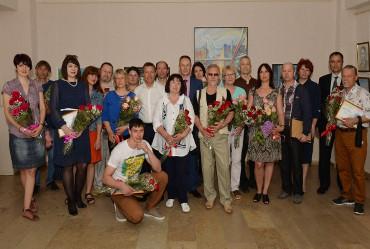 Художники получили награды за победу и участие в творческом конкурсе «Апатитовый пленэр» БФ АО «Апатит» (Группа ФосАгро»)