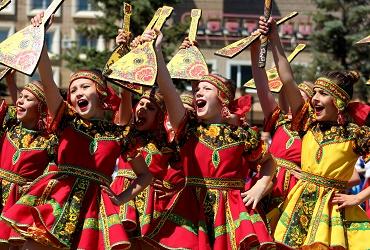 В День России балаковцы станцевали со всей страной. Видео