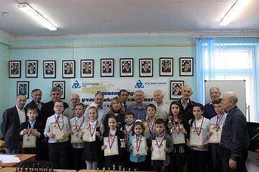 25-летию концерна «Росэнергоатом» посвятили балаковские ветераны-атомщики Шахматный фестиваль