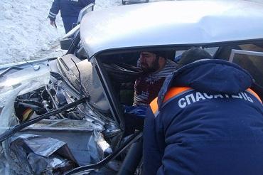 На трассе под Хвалынском столкнулись два большегруза