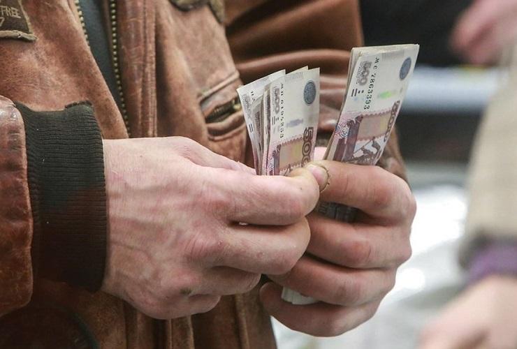 Половина саратовских педагогов получает менее 15 тысяч рублей в месяц