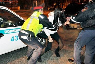 Пьяная 13-летка протаранила в ночи сразу 6 автомобилей