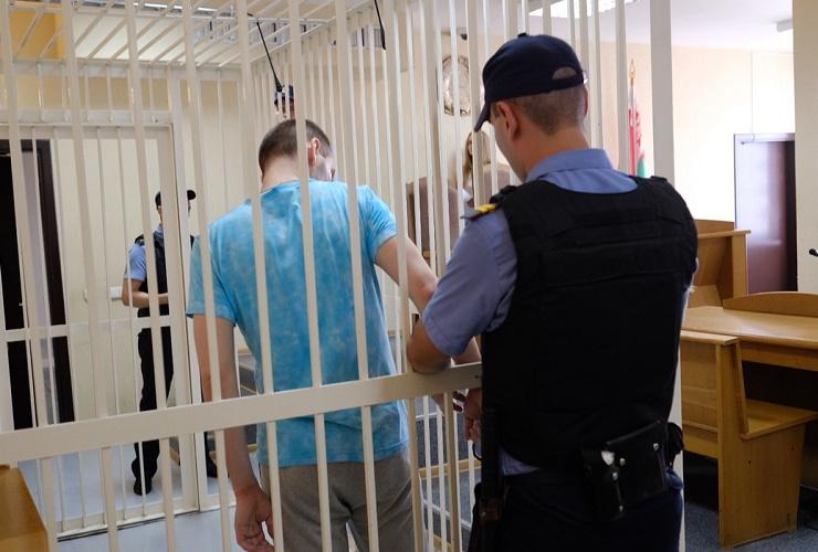 За неуплату алиментов взяли под стражу прямо в зале суда