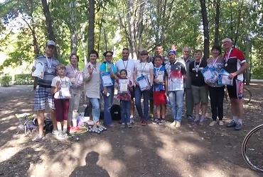 Школьник обыграл взрослого на турнире по петанку. Видео