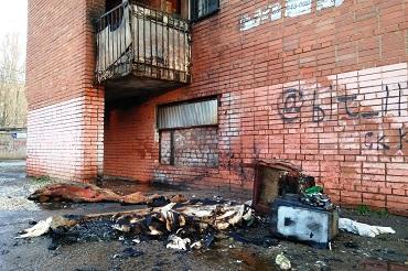 При пожаре в красной общаге эвакуировали 5 человек
