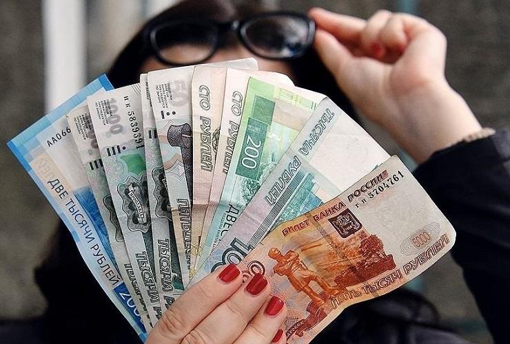 Воспитательницу из Балакова, набравшую 15 кредитов, признали банкротом