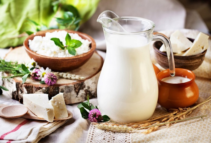Килограмм сметаны в области перевалил за 200 рублей, а литр молока - за 68
