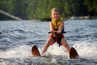 Интересует плавание и воднолыжный спорт? Тогда скорее запишись на тренировки