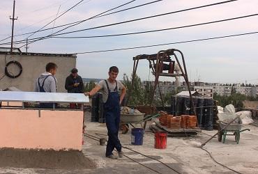 Кто жирует на капремонте. Крыши балаковских домов не хотят доводить до ума. Фото