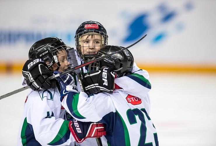 Sutynews.ru - в прямом эфире! Третий день следим за хоккейными баталиями