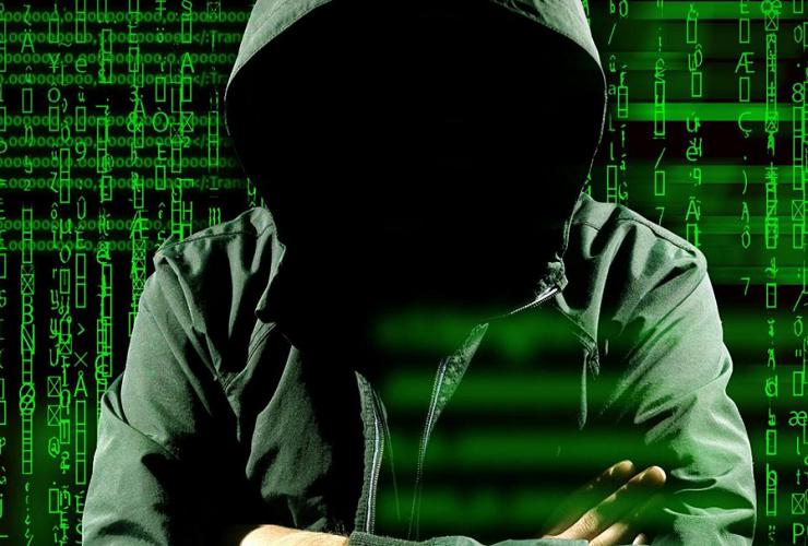Балаковец получил год обязательных работ за взлом сайта