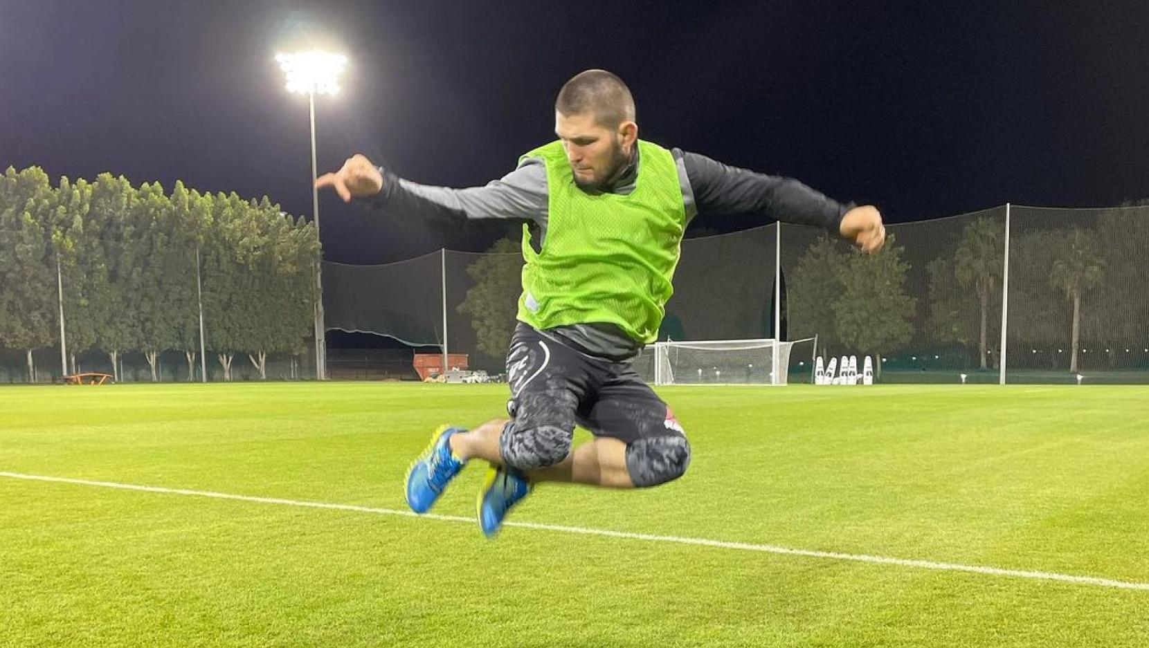 Khabib Nurmagomedov ready to accept offers from football clubs