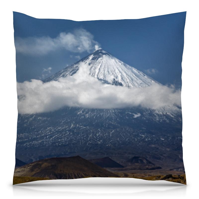 Printio Подушка 40x40 см с полной запечаткой Камчатка, осенний пейзаж, извержение вулкана