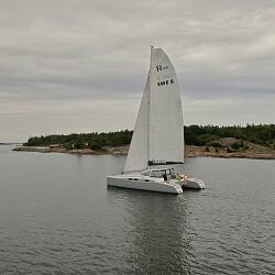 Парусная яхта RAPIER 400