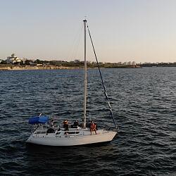 Парусная яхта FIRST 305 (BENETEAU)