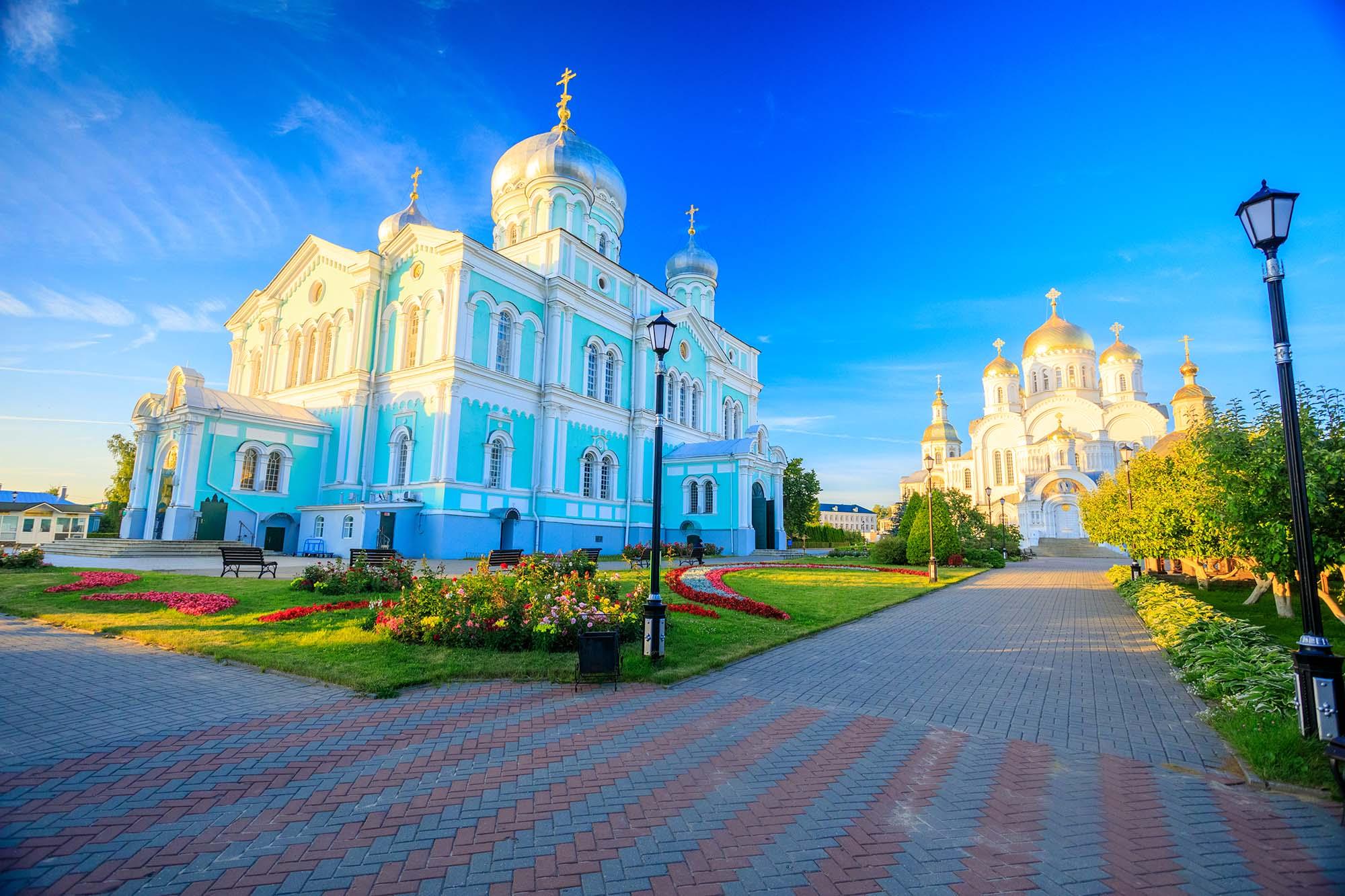 Онлайн-трансляцию богослужений в день памяти преподобного Серафима Саровского из Дивеевского монастыря можно будет посмотреть на портале «Серафимова земля»