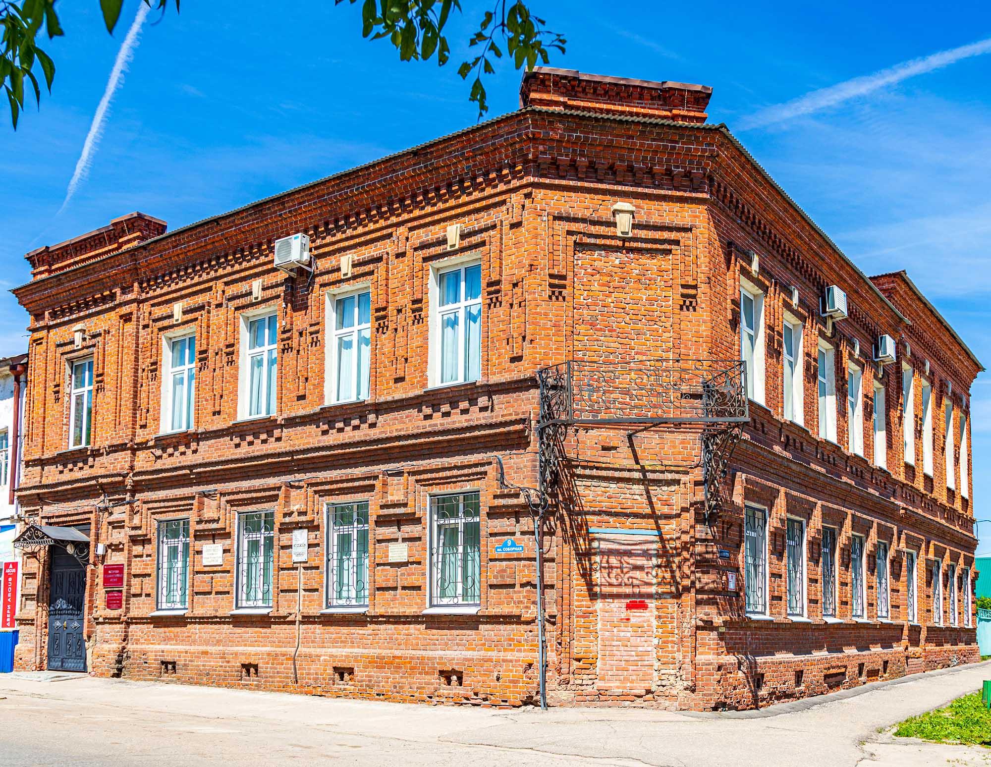 В Историко-художественном музее Арзамаса работает выставка, посвященная дню памяти преподобного Серафима Саровского