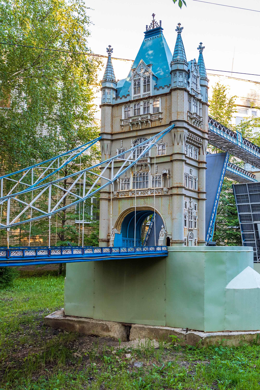 Эйфелева башня и Тауэрский мост