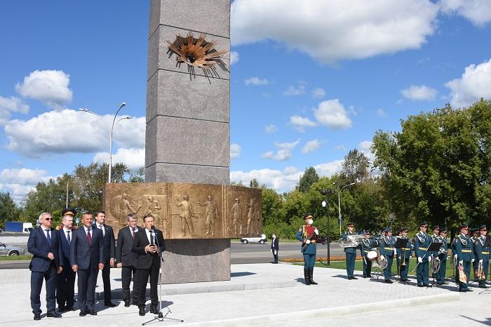 Памятник испытателям ядерного оружия открыли в Сарове