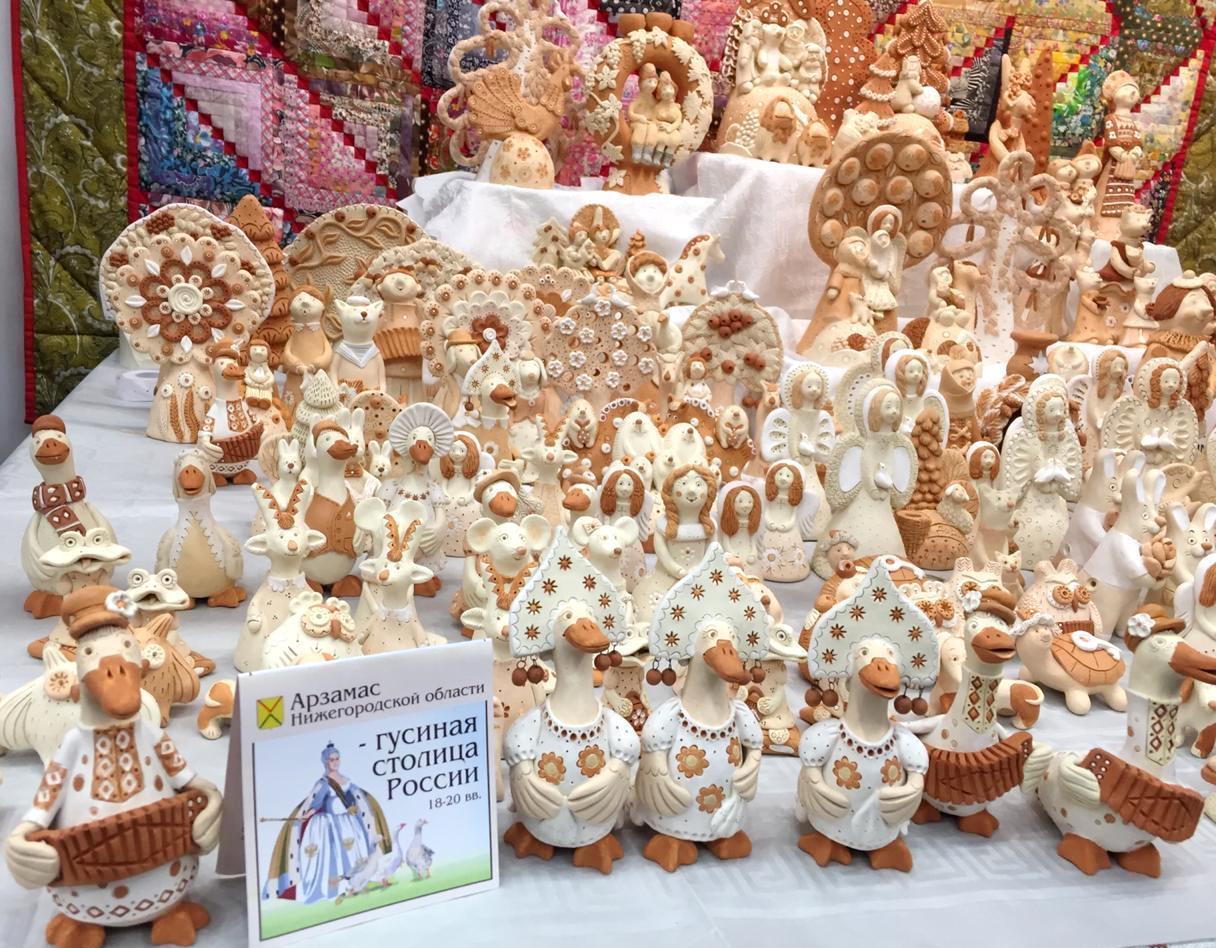 Коллекцию игрушек «Арзамасский гусь» показали в Москве