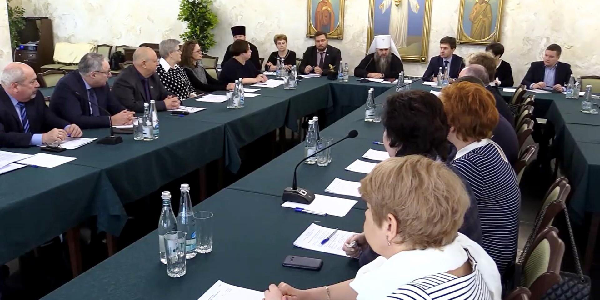 Круглый стол по реализации проектов «Серафимовский врач» и «Серафимовская сестра милосердия»