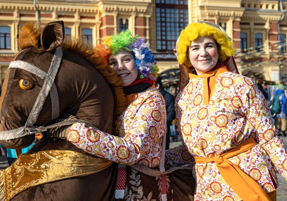 Масленичные гуляния впервые прошли на Нижегородской ярмарке