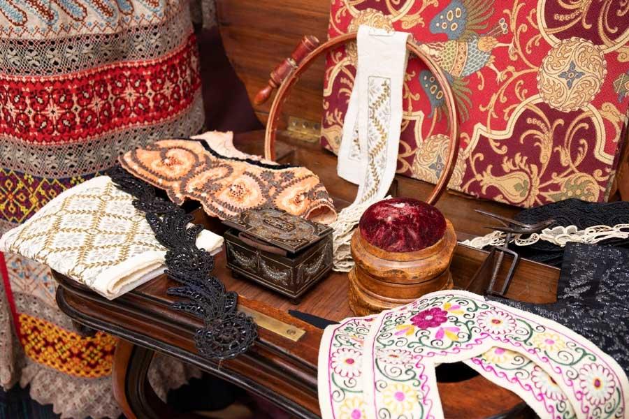 В Нижнем Новгороде открыта выставка костюмов XVIII-XX веков
