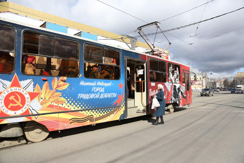 «Трамвай Победы» начал ходить в Нижнем Новгороде
