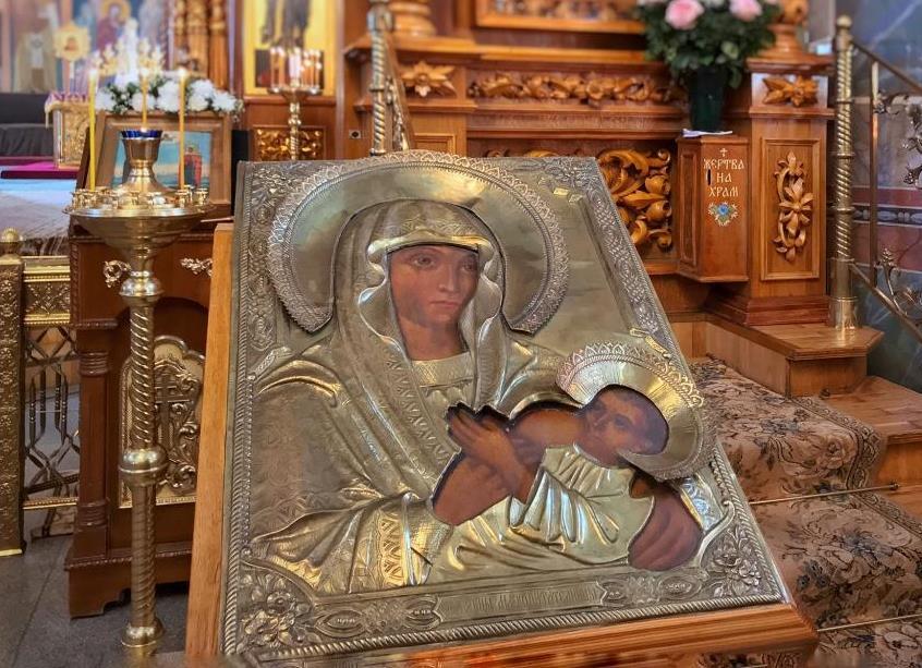 В Дивеевский монастырь вернули икону Божией Матери «Млекопитательница»