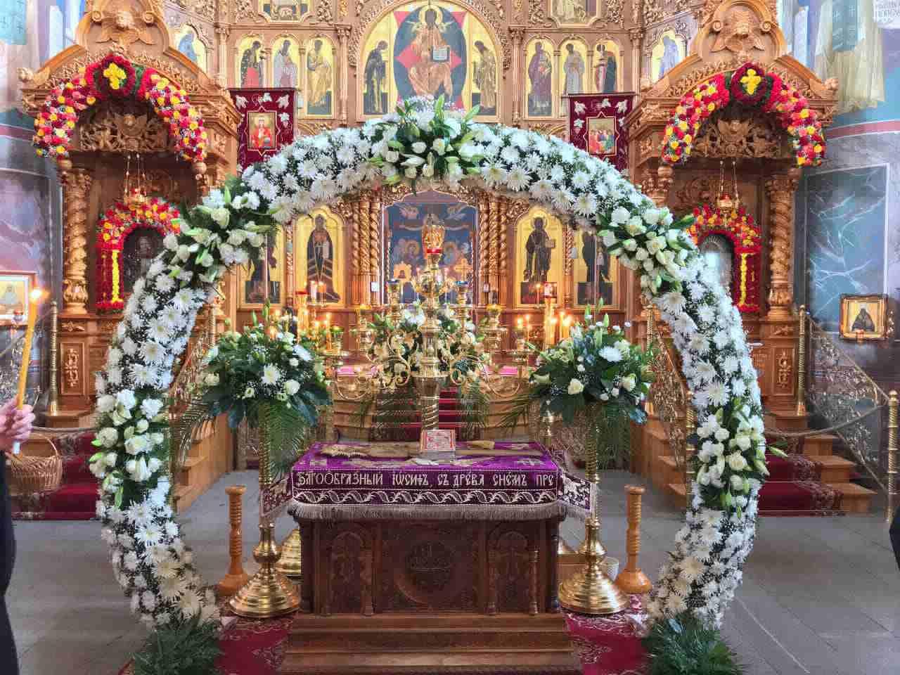 Троицкий собор Дивеевского монастыря украсили к Пасхе