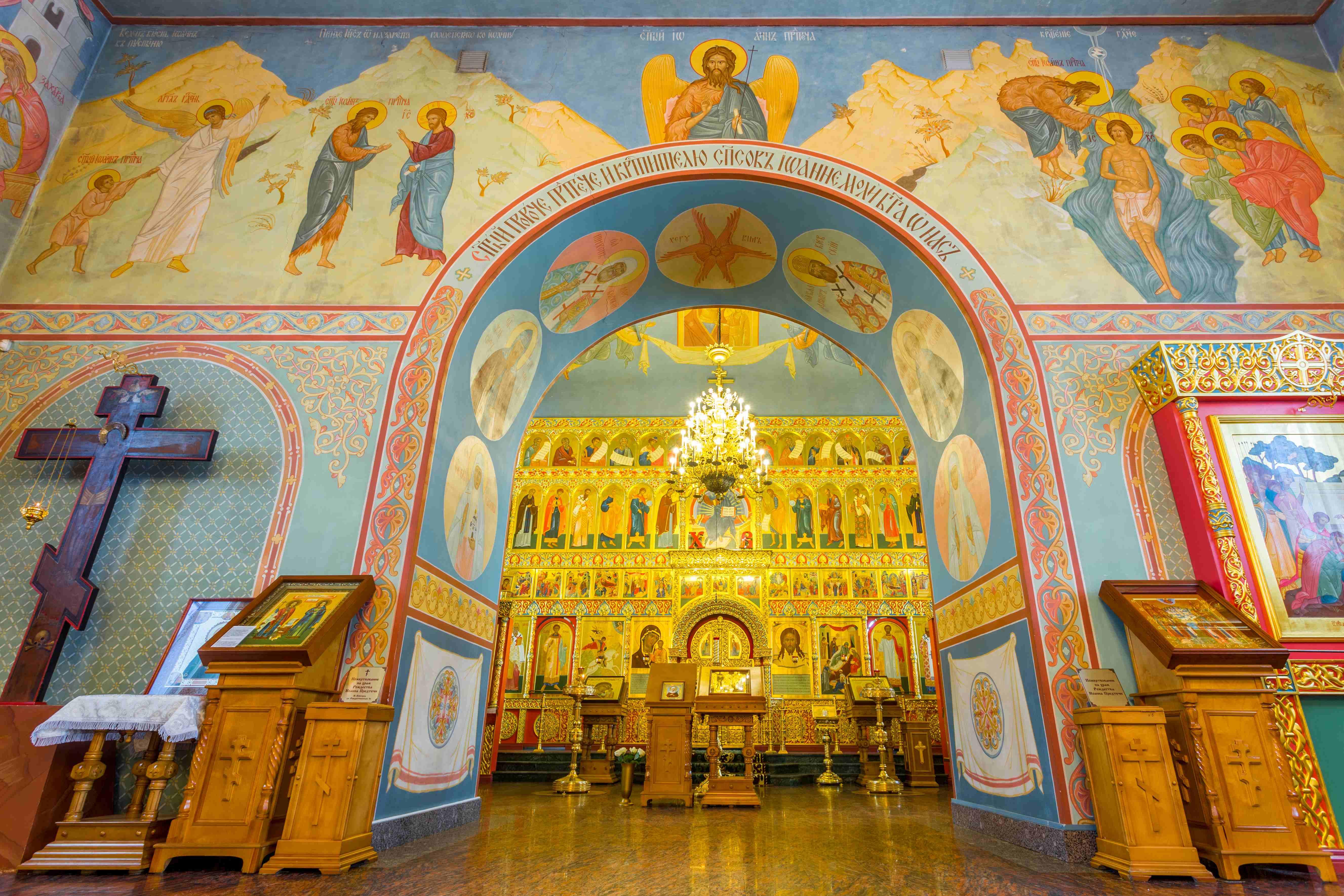 Запрет на посещение храмов и монастырей Нижегородской епархии для мирян продлен по 11 мая