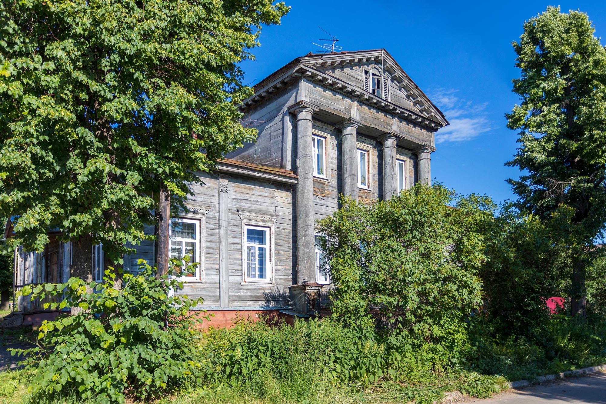 Дом Твердова