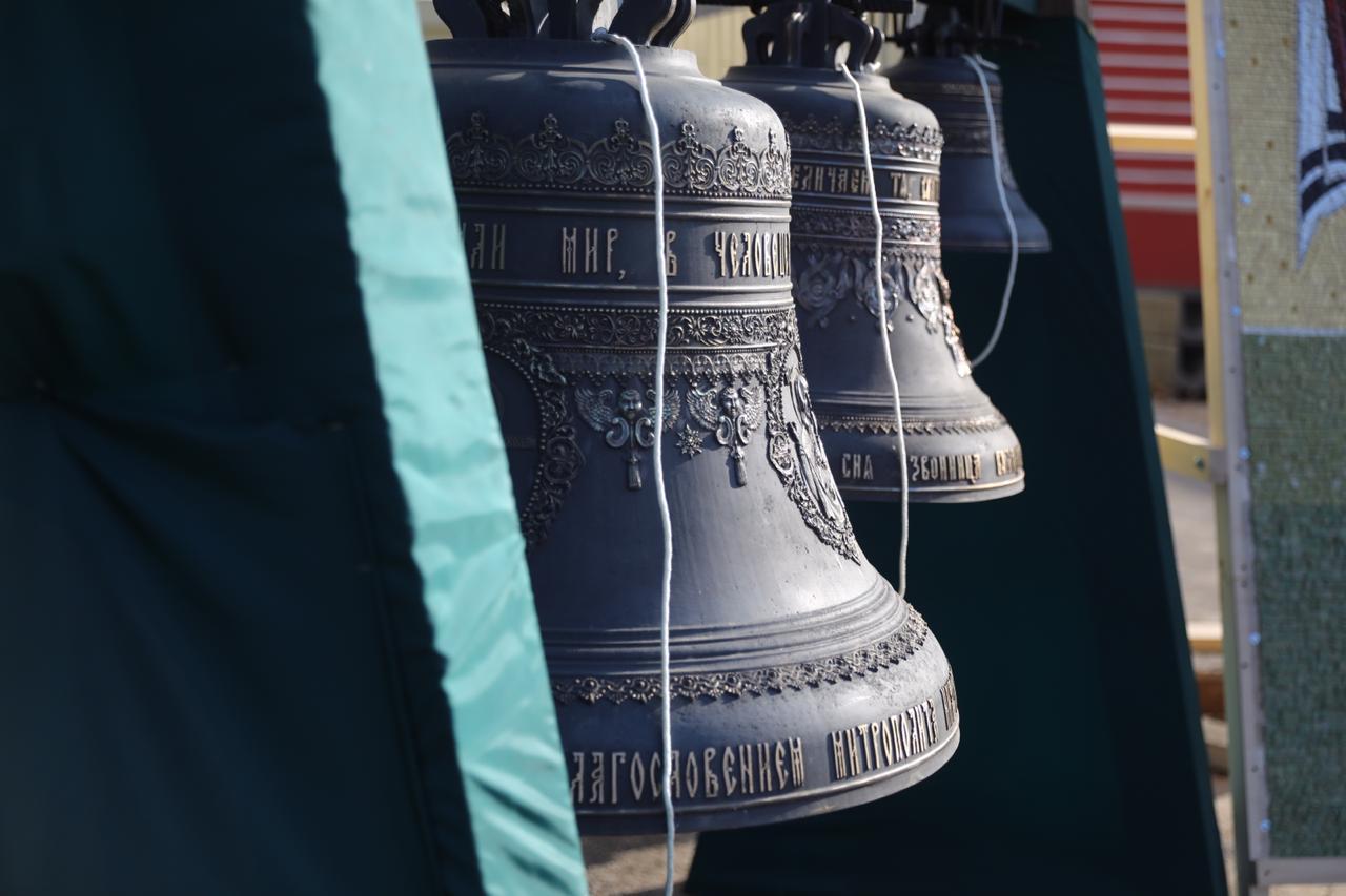 В Нижегородском кремле освятили колокола для Никольского храма