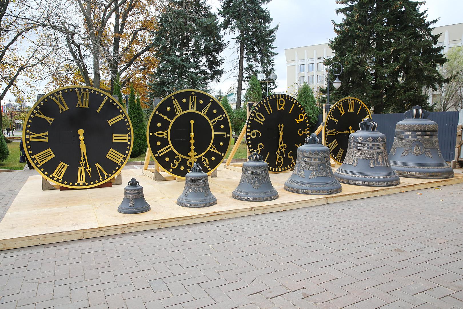 В Нижегородский кремль доставили колокола для строящейся здесь колокольни