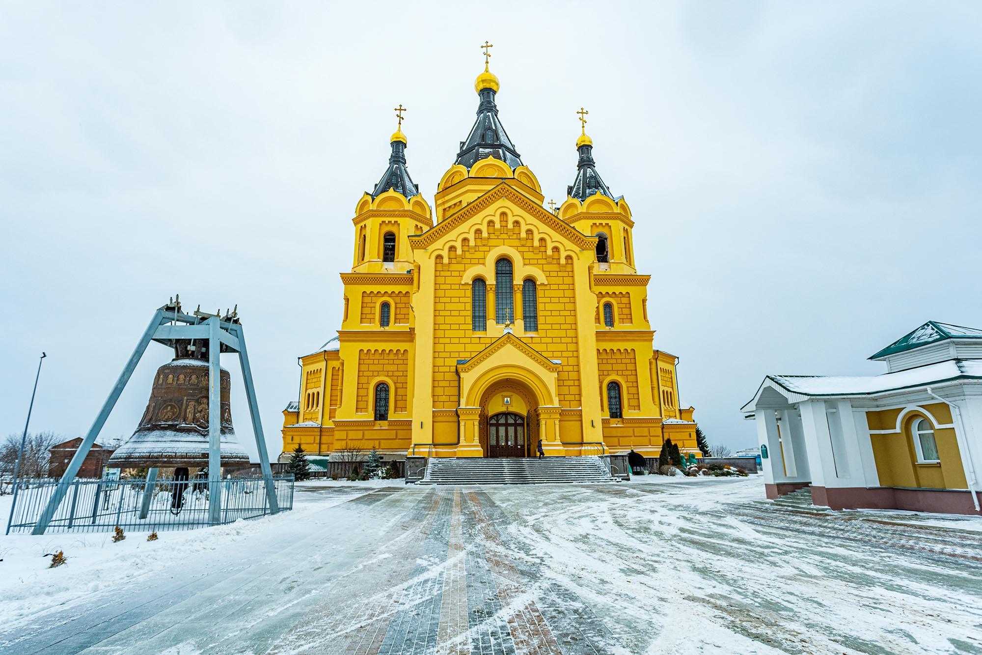 Расписание онлайн-трансляций богослужений с 11 по 17 января