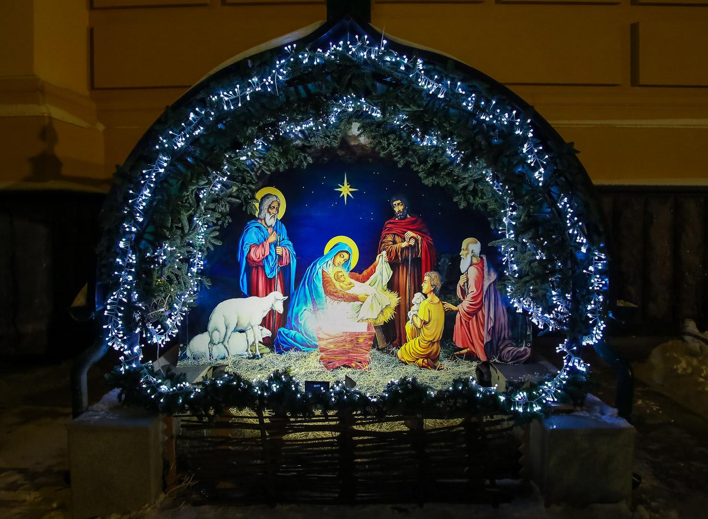 Праздничное рождественское богослужение прошло в кафедральном Александро-Невском соборе Нижнего Новгорода