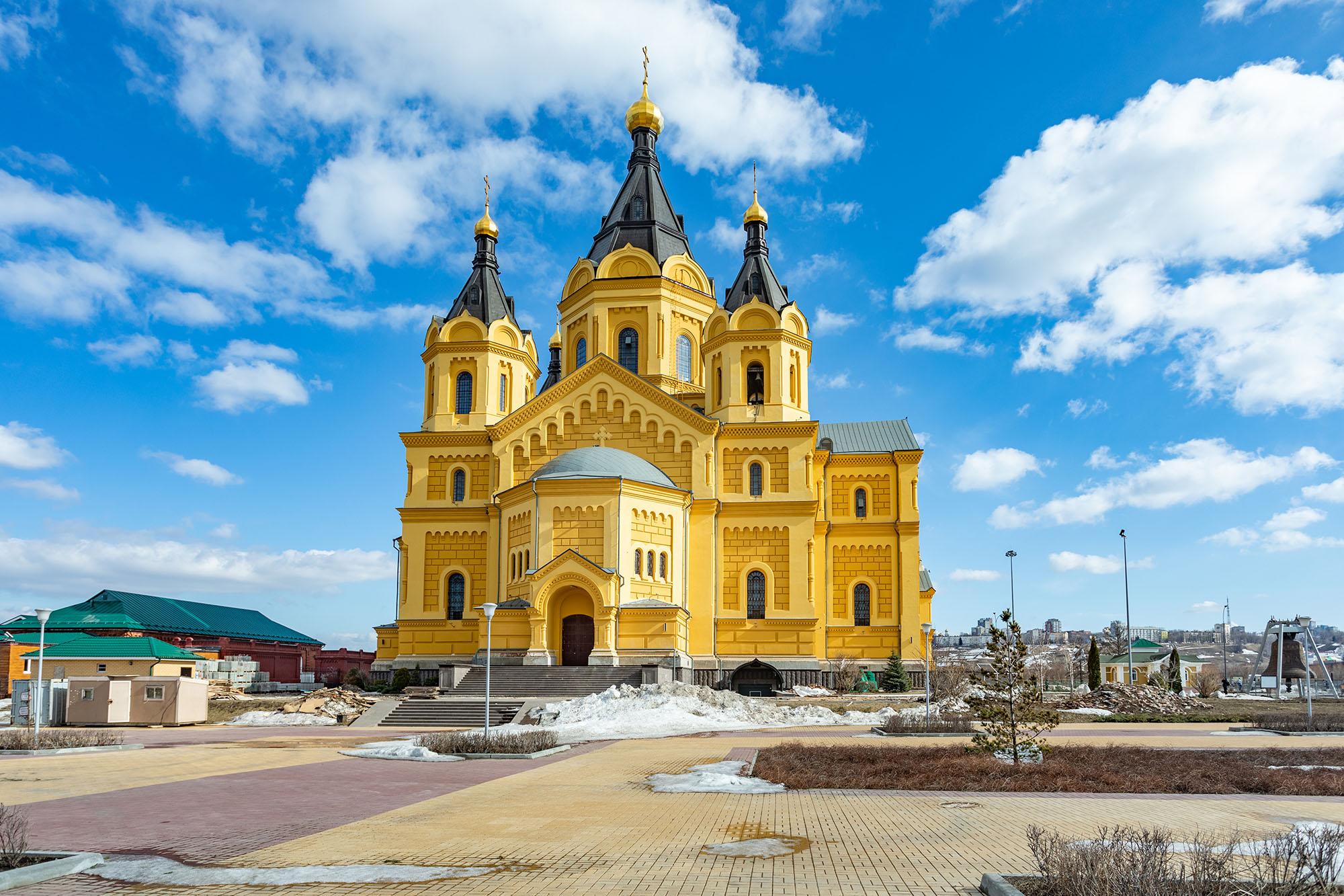 Расписание онлайн-трансляций богослужений с 26 апреля по 2 мая